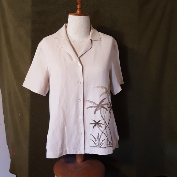 Tommy Bahama Tops - Tommy Bahama  size M  ladies blouse